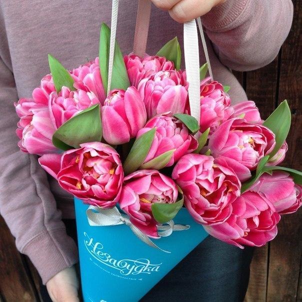 优雅便捷的提桶式花束 法式婚礼的浪漫秘密