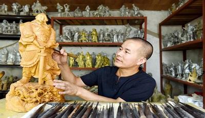 乐清男子杨乐章历时3年多完成水浒系列作品创作