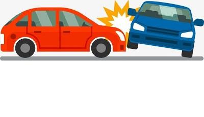 两车路口相撞 一个闯红灯一个逆行
